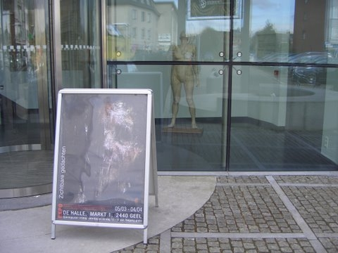 opstellen expositie visual thoughts Geel lost day bulding 027.jpg